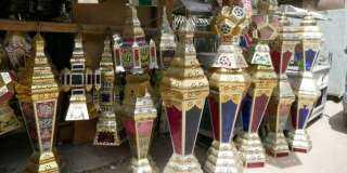 «أسعار مرتفعة ومنتجات جديدة».. طرح فانوس رمضان فى الأسواق