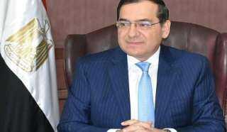وزير البترول يبحث مع نقابة العاملين بالبترول تطوير أداء الشركات وكفاءة العنصر البشري