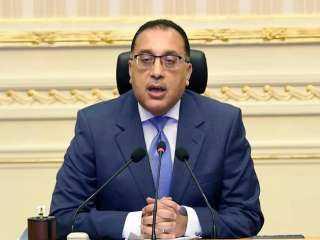 رئيس الوزراء يتابع أعمال تطوير الساحة المحيطة بمسجد عمرو بن العاص