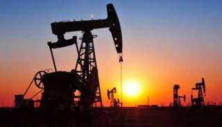 أسعار النفط تتراجع عن موجة صعود قوية لـ3 جلسات
